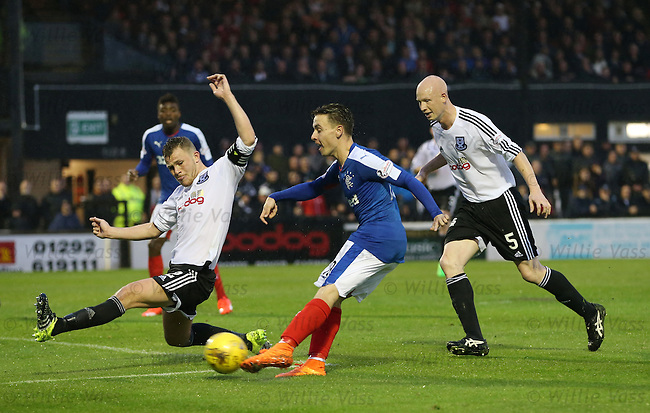 Barrie McKay scores goal no 2 for Rangers