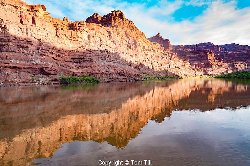 Colorado River reflections, Canyonlands National Park, Utah, Near Indina Creek, Meander Canyon
