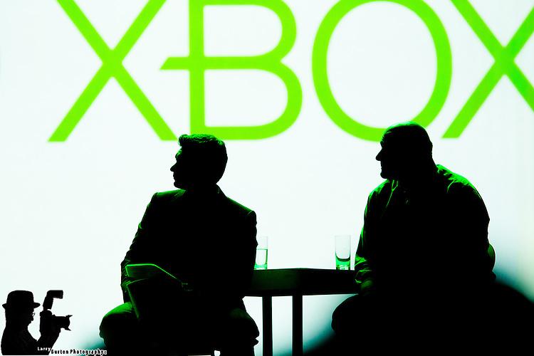 LAS VEGAS, NV - JANUARY 09: Microsoft CEO Steve Ballmer (R) and host Ryan Seacrest during keynote address at the 2012 International Consumer Electronics