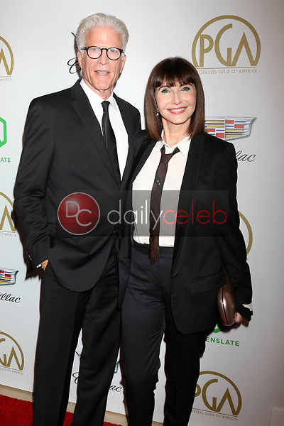 Ted Danson, Mary Steenburgen<br /> at the 2019 Producer's Guild Awards, Beverly Hilton Hotel, Beverly Hills, CA 01-19-19<br /> David Edwards/DailyCeleb.com 818-249-4998