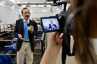 Partinico, 21 Maggio, 2006. Pino Maniaci durante una registrazione per il suo telegiornale. .Pino Maniaci during the daily news broadcast recording.