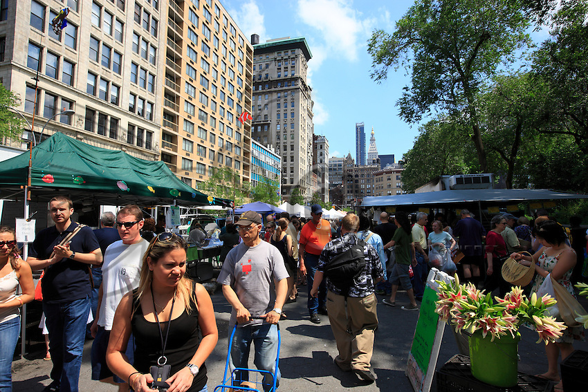 Union Square, the organic market. Organic associations are very actively committed in the United States and the customers very careful with their money.