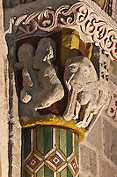 Europe/France/Aquitaine/64/Pyrénées-Atlantiques/Pays-Basque/Sainte-Engrâce: L'église romane du XIe siècle - Détail chapiteau: Episode biblique de la rencontre de Salomon et de la Reine de Saba, Elépha,t à la langue énorme représentant la trompe