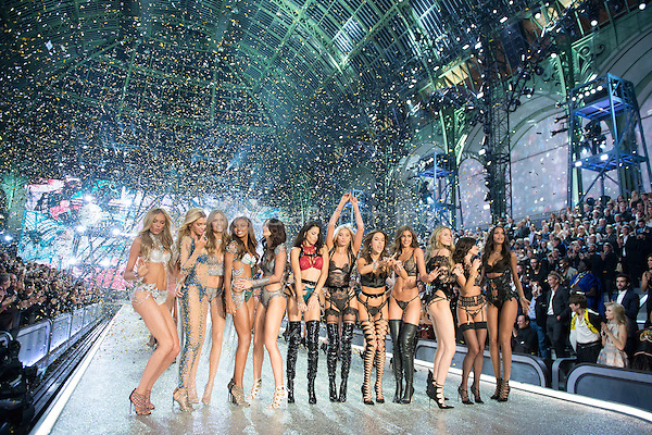 Models<br /> Victoria's Secret Fashion Show at the  Grand Palais, Paris, France on 30th November 2016.<br /> CAP/GOL<br /> &copy;GOL/Capital Pictures /MediaPunch ***NORTH AND SOUTH AMERICAS ONLY***