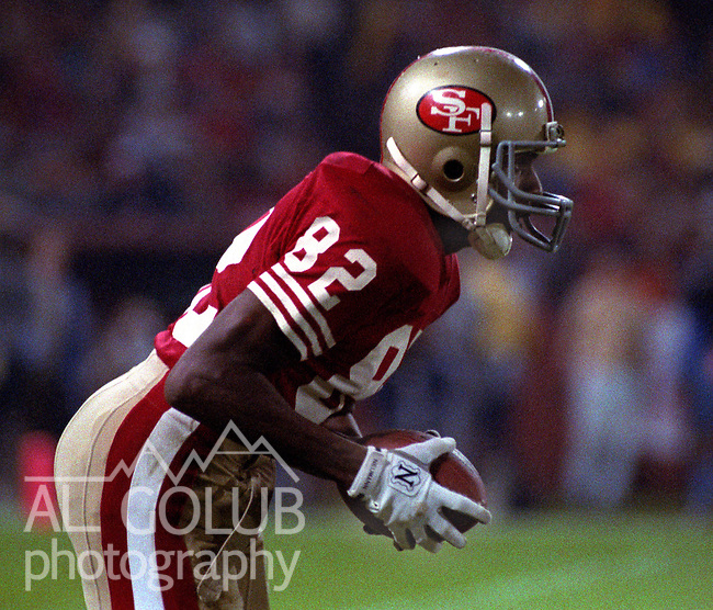 San Francisco 49ers vs Washington Redskins at Candlestick Park Monday, November 21, 1988..49ers beat Redskins 37-21.San Francisco 49er wide receiver John Taylor (82)