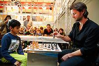 Rotterdam, 25 januari 2015<br /> Regisseur van The Dark Horse, James Napier Robertson speelt schaak in de Doelen tijdens het Internationaal Film Festival Rotterdam 2015.<br /> Foto Bas Czerwinski Copyright and ownership by photographer.<br /> For IFFR use only.<br /> NOT TO BE REDISTRIBUTED