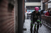 Sep Vanmarcke (BEL Cannondale-Drapac Pro Cycling Team) pre race on his way to sign in. <br /> <br /> 73th Dwars Door Vlaanderen (1.UWT)<br /> 1day race: Roeselare &rsaquo; Waregem BEL (180km)