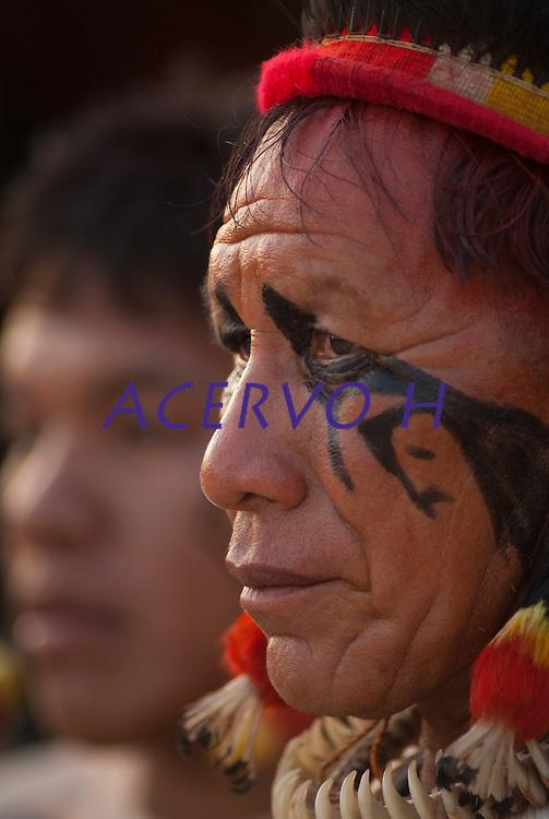 Kuikuro.<br /> <br /> Os Jogos dos Povos Ind&iacute;genas (JPI) chegam a sua d&eacute;cima edi&ccedil;&atilde;o. Neste ano 2009, que acontecem entre os dias 31 de outubro e 07 de novembro. A data escolhida obedece ao calend&aacute;rio lunar ind&iacute;gena. com participa&ccedil;&atilde;o  cerca de 1300 ind&iacute;genas, de aproximadamente 35 etnias, vindas de todas as regi&otilde;es brasileiras. <br /> Paragominas , Par&aacute;, Brasil.<br /> Foto Paulo Santos<br /> 04/11/2009