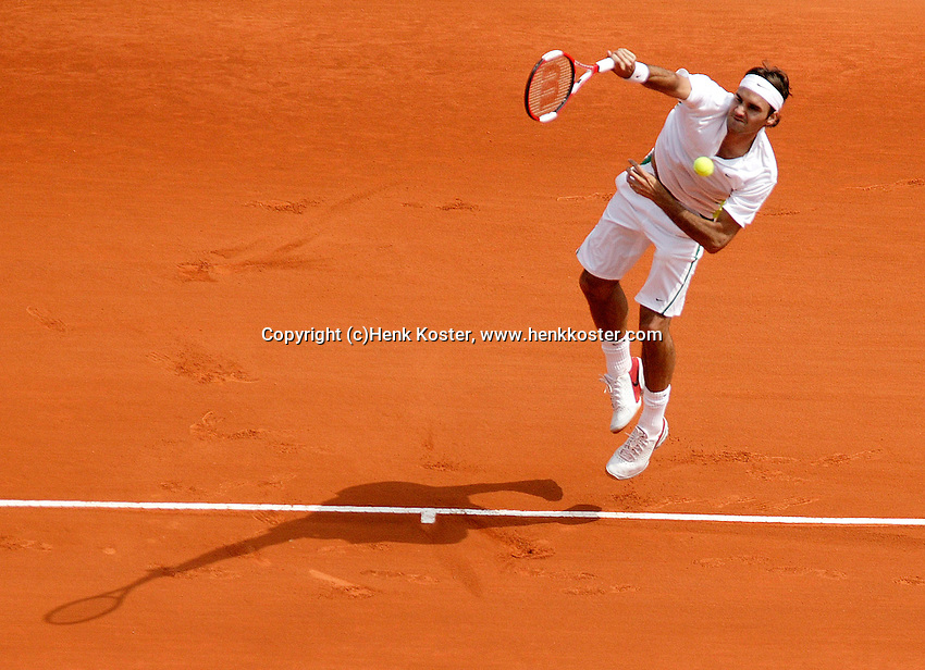 17-4-06, Monaco, Tennis,Master Series, Federer in action against Djokovic