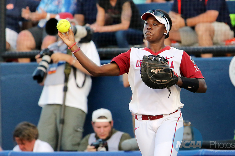 06 JUNE 2016: Shay Knighten (17) of University of Oklahoma throws the ball against Auburn University during the Division I Women's Softball Championship held at ASA Hall of Fame Stadium in Oklahoma City, OK.  University of Oklahoma defeated Auburn University in Game 1 by the final score of 3-2. Shane Bevel/NCAA Photos