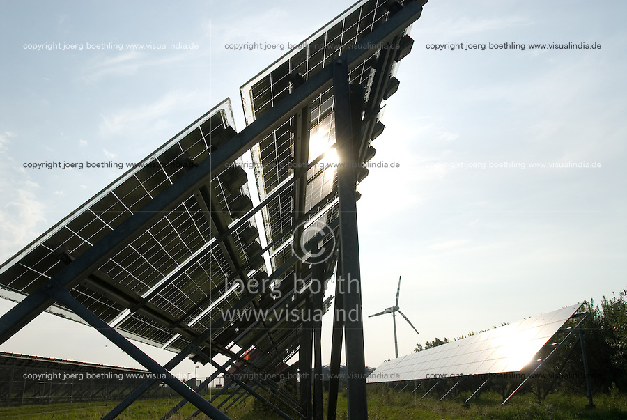 "Europa Deutschland DEU , .Solarkraftwerk der Eon Hanse zur Stromerzeugung und Einspeisung auf Nordseeinsel Pellworm   -  Solar Solarfeld Solarenergie Photovoltaik PV Bioenergie Strom  renewables  xagndaz | .Europe Germany GER solar power plant  at Pellworm island   -  renewable energy bio power photovoltaic .| [ copyright (c) Joerg Boethling / agenda , Veroeffentlichung nur gegen Honorar und Belegexemplar an / publication only with royalties and copy to:  agenda PG   Rothestr. 66   Germany D-22765 Hamburg   ph. ++49 40 391 907 14   e-mail: boethling@agenda-fototext.de   www.agenda-fototext.de   Bank: Hamburger Sparkasse  BLZ 200 505 50  Kto. 1281 120 178   IBAN: DE96 2005 0550 1281 1201 78   BIC: ""HASPDEHH"" ,  WEITERE MOTIVE ZU DIESEM THEMA SIND VORHANDEN!! MORE PICTURES ON THIS SUBJECT AVAILABLE!! ] [#0,26,121#]"
