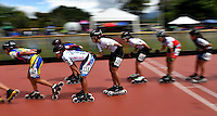 BOGOTA - COLOMBIA - 27-01-2017: Patinadores durante la prueba de los 15000 metros Eliminacion Mayores Damas, en la IV Valida Nacional Interclubes de Carreras 2017 en el Patinodromo El Salitre de la ciudad de Bogota. / Skater during the test of the 15000 meters Elimination Senior Ladies as part of the IV Interclubs National Valid of Speed Race 2017 at El Salitre Patinodromo in Bogota city Photo: VizzorImage / Luis Ramirez / Staff.
