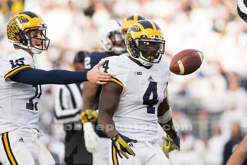 11/21/2015 Michigan football defeats Penn State 28-16 at University Park, PA.