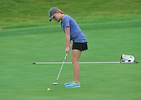 NWA Democrat-Gazette/MICHAEL WOODS &bull; @NWAMICHAELW<br /> Rogers golfer Payton Smith attempts a putt Tuesday August 4, 2015 during the golf tournament at the Springdale Country club.