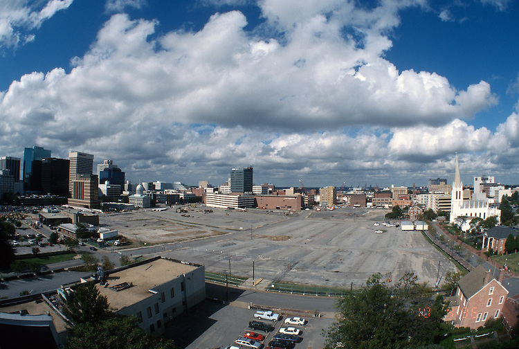 1996 October 04..Redevelopment..Macarthur Center.Downtown North (R-8)..PROGRESS.LOOKING WEST.FROM ROTUNDA BUILDING.SUPERWIDE ANGLE..NEG#.NRHA#..