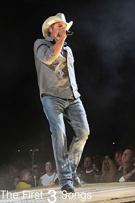 Toby Keith performs at Riverbend Music Center in Cincinnati, Ohio on September 29, 2011.