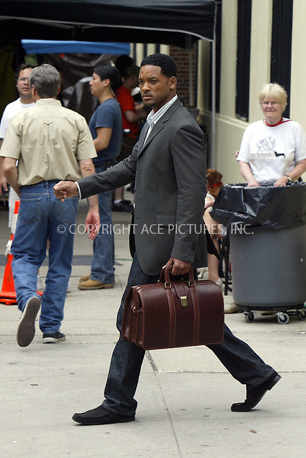 Will Smith filming 'Last First Kiss' in New York. June 10, 2004. ..Please byline: PHILIP VAUGHAN/ACE Pictures.   .. *** ***  ..All Celebrity Entertainment, Inc:  ..contact: Alecsey Boldeskul (646) 267-6913 ..Philip Vaughan (646) 769-0430..e-mail: info@nyphotopress.com
