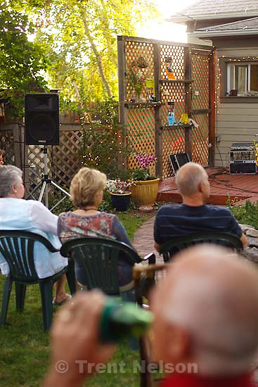 Tangle Ridge plays at the Leopardi home for Heart & Soul. Gilbert Hunt, Caroline Kueneman, Paul Eichenberger, Steve Lutz