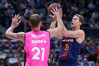 Estudiantes Alex Brown and FC Barcelona Lassa Petteri Koponen during Liga Endesa match between Estudiantes and FC Barcelona Lassa at Wizink Center in Madrid, Spain. October 22, 2017. (ALTERPHOTOS/Borja B.Hojas) /NortePhoto.com