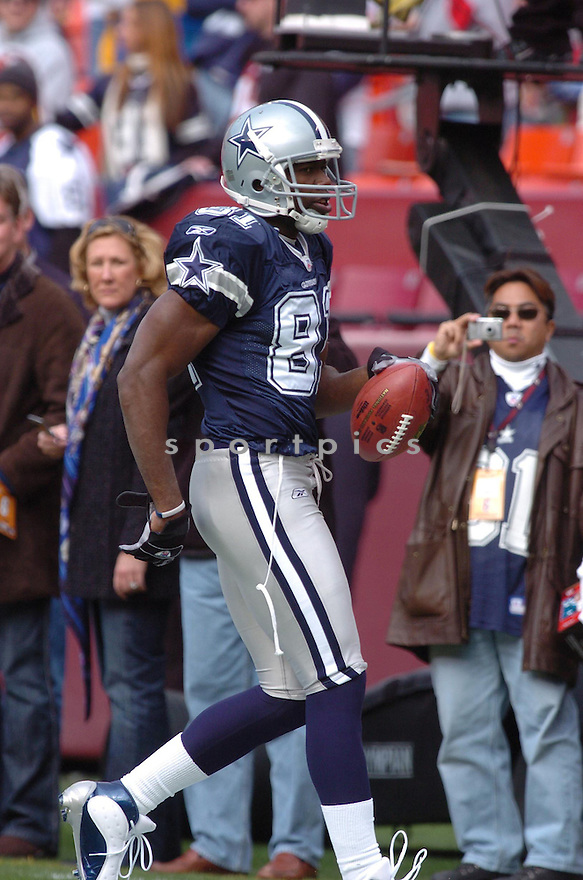 TERRELL OWENS, of the Dallas Cowboys ,during their game against  the  Washington Redskins on Novmeber 05, 2006 in Washington D.C....Redskins win 22-19..Tomasso DeRosa / SportPics