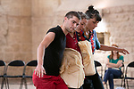 [CHAIR_S]<br /> Gilles Viandier chor&eacute;graphie&nbsp;; Alberto Carretero composition musicale&nbsp;; Marta Capaccioli, Gaspard Charon, Marie Simon danse et chant&nbsp;; Ahmed Amine Ben Feguira, Nicolas Garnier, Clotilde Rullaud, Elsa Marquet-Lienhart musique et chant<br /> Abbaye de Royaumont &ndash; R&eacute;fectoire des moines<br /> 25/08/2018