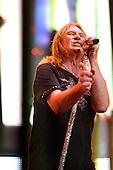 Jul 28, 2011: DEF LEPPARD - Mirror Ball Tour Tinley Park IL USA