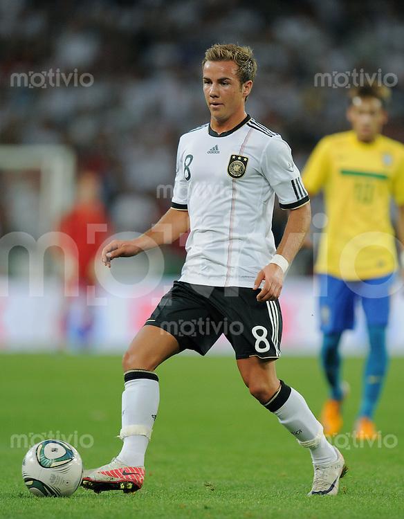 FUSSBALL INTERNATIONAL   Freundschaftsspiel  10.08.2011 Deutschland - Brasilien Mario GOETZE (Deutschland) am Ball