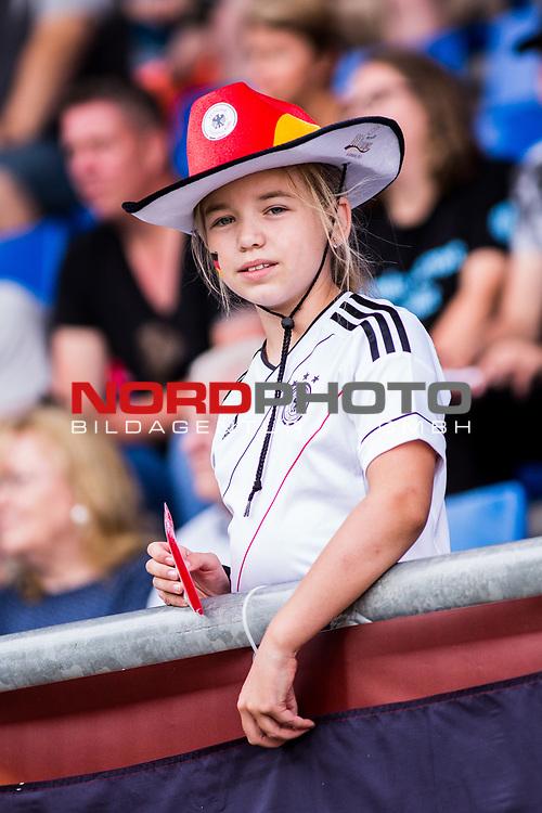 21.07.2017, Koenig Willem II Stadion , Tilburg, NLD, Tilburg, UEFA Women's Euro 2017, Deutschland (GER) vs Italien (ITA), <br /> <br /> im Bild | picture shows<br /> Fan der deutschen Nationalmannschaft, <br /> <br /> Foto © nordphoto / Rauch