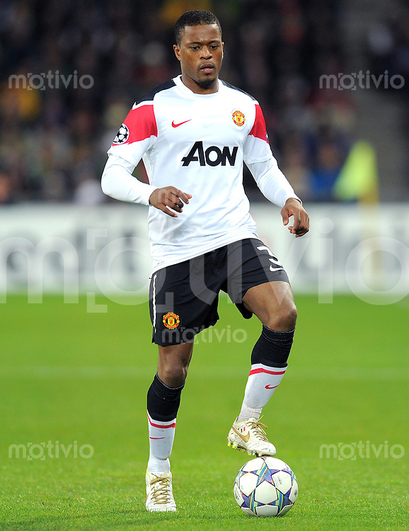 FUSSBALL   CHAMPIONS LEAGUE   SAISON 2011/2012     07.12.2011 FC Basel - Manchester United Patrice Evra (Manchester United FC)