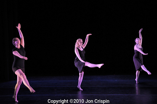 Smith College Spring Dance 2010..© 2010 JON CRISPIN .Please Credit   Jon Crispin.Jon Crispin   PO Box 958   Amherst, MA 01004.413 256 6453.ALL RIGHTS RESERVED....