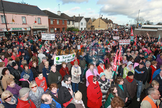 Between 8 and 10 Thousand people gathered in Navan for a rally to protest at the downgrading of Navan Hospital on Saturday last..Picture: Fran Caffrey/www.newsfile.ie.