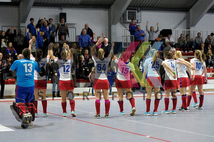 GER - Mannheim, Germany, January 10: Players of Mannheimer HC celebrates after winning the 1. Bundesliga Sued Damen indoor hockey match between TSV Mannheim (red) and Mannheimer HC (white) on January 10, 2016 at TSV Mannheim in Mannheim, Germany. <br /> <br /> Foto &copy; PIX-Sportfotos *** Foto ist honorarpflichtig! *** Auf Anfrage in hoeherer Qualitaet/Aufloesung. Belegexemplar erbeten. Veroeffentlichung ausschliesslich fuer journalistisch-publizistische Zwecke. For editorial use only.