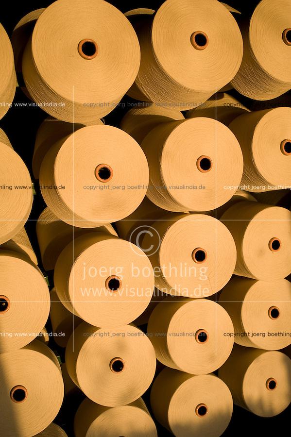"Südasien Asien Indien IND Madhya Pradesh , Verarbeitung von fairtrade Baumwolle bei Mahima Fibres Ltd. -  Textilwirtschaft Textilindustrie Baumwolle xagndaz | .South Asia India Madhya Pradesh  Mahima Fibres Ltd. spinning factory process fairtrade cotton.  -   textile industry .| [ copyright (c) Joerg Boethling / agenda , Veroeffentlichung nur gegen Honorar und Belegexemplar an / publication only with royalties and copy to:  agenda PG   Rothestr. 66   Germany D-22765 Hamburg   ph. ++49 40 391 907 14   e-mail: boethling@agenda-fototext.de   www.agenda-fototext.de   Bank: Hamburger Sparkasse  BLZ 200 505 50  Kto. 1281 120 178   IBAN: DE96 2005 0550 1281 1201 78   BIC: ""HASPDEHH"" ,  WEITERE MOTIVE ZU DIESEM THEMA SIND VORHANDEN!! MORE PICTURES ON THIS SUBJECT AVAILABLE!! INDIA PHOTO ARCHIVE: http://www.visualindia.net ] [#0,26,121#]"