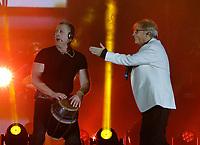 Nino D'Angelo festeggia i suoi 60 anni con un concerto nello stadio San Paolo di Napoli