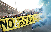 "Manifestazione contro il ""pacchetto sicurezza"" a Roma, 31 gennaio 2009..Demonstration against the government proposed set of laws on social security, in Rome, 31 january 2009..UPDATE IMAGES PRESS/Riccardo De Luca"