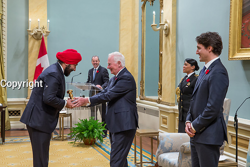 Minister Navdeep Bains is presented the Great Seal of Canada by Governor General David Johnston at Rideau Hall. November 4, 2015.