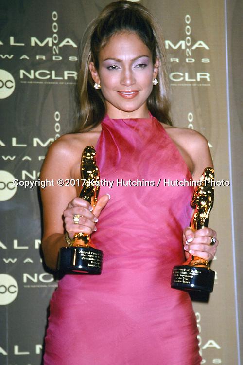 LOS ANGELES - APR 16:  Jennifer Lopez at the Fifth Annual ALMA Awards at the Pasadena Civic Auditorium on April 16, 2000 in Pasadena, CA