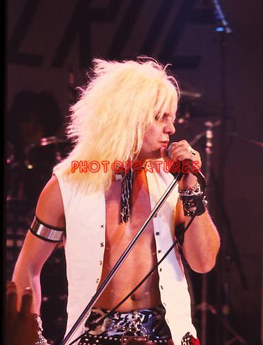 Motley Crue 1982 Vince Neil.