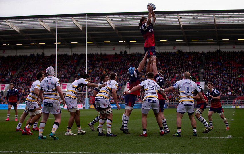 Bristol's Christopher Vui claims the lineout<br /> <br /> Photographer Bob Bradford/CameraSport<br /> <br /> Gallagher Premiership - Bristol Bears v Worcester Warriors - Saturday 23rd March 2019 - Ashton Gate - Bristol<br /> <br /> World Copyright © 2019 CameraSport. All rights reserved. 43 Linden Ave. Countesthorpe. Leicester. England. LE8 5PG - Tel: +44 (0) 116 277 4147 - admin@camerasport.com - www.camerasport.com
