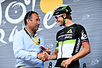 Yesterday's stage winner Edvald Boasson Hagen (NOR) Dimension Data receives his plaque from Thierry Gouvenou ASO pictured at sign on before the start of Stage 21 of the 104th edition of the Tour de France 2017, an individual time trial running 1.3km from Montgeron to Paris Champs-Elysees, France. 23rd July 2017.<br /> Picture: ASO/Alex Broadway | Cyclefile<br /> <br /> <br /> All photos usage must carry mandatory copyright credit (&copy; Cyclefile | ASO/Alex Broadway)