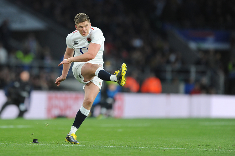 Owen Farrell of England takes a conversion kick during the Guinness Six Nations match between England and Italy at Twickenham Stadium on Saturday 9th March 2019 (Photo by Rob Munro/Stewart Communications)