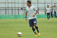 BARUERI, SP - 18.01.2012 – JOGO TREINO GREMIO BARUERI X GREMIO OSASCO – Tiago Gentil em acao pelo Gremio barueri. Nesta quarta-feira (18) a tarde as equipe do Gremio Barueri e Gremio Osasco participaram de um jogo treino, no Centro de Treinamento da Vila Porto em Barueri, na Grande SP. O jogo acabou empatado em 1 a 1, os gols foram marcados por Marcelinho (Barueri) e Luciano (Osasco). (Foto: Renato Silvestre/NewsFree)