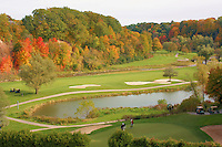 Fall golfers finish the hole
