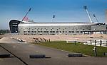 DEN HAAG - Aanleg Greenfie3lds hockeystadion voor het WK. Veld 2. de Vrijwilligers voor het World Cup Hockey 2014 kwamen zaterdag in het Kyocera voetbalstadion voor het eerst bijeen. FOTO KOEN SUYK
