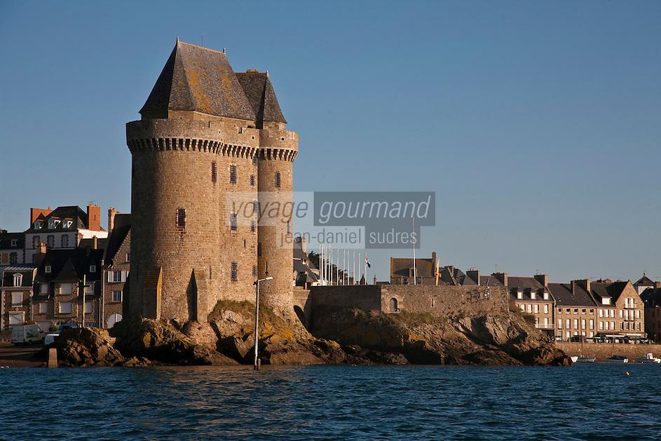 Europe/France/Bretagne/35/Ille et Vilaine/Saint-Malo/Saint-Servan-sur-mer: le port et la Tour Solidor batie en 1382 , Musée International du  Long Cours Cap-Hornier