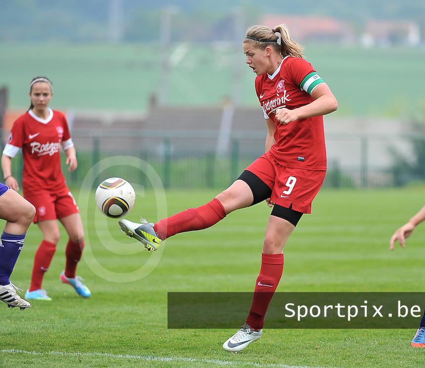 RSC Anderlecht Dames - FC Twente : Anouk Dekker aan de bal.foto DAVID CATRY / Nikonpro.be