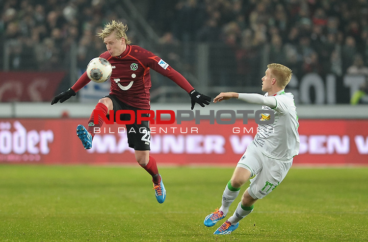 01.02.2014, HDI Arena, Hannover, GER, 1.FBL, Hannover 96 vs Borussia M&ouml;nchengladbach, im Bild Frantisek Rajtoral (Hannover #22), Oscar Wendt (Moenchengladbach #17)<br /> <br /> Foto &copy; nordphoto / Frisch