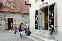 Souvenirgeschäft in Tallinn (Reval), Estland, Europa, Unesco-Weltkulturerbe