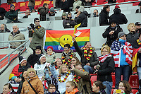 Deutsche und amerikanische Fans friedlich vereint