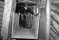 Sarajevo / Bosnia 1995. Una rara immagine del tunnel scavato dall'Armija bosniaca sotto la pista dell'aeroporto per consentire i rifornimenti di armi ed aiuti umanitari e la fuga di profughi e feriti. Nella fotografia il signor Bajro Kolar, guardiano del strategico tunnel di Butmir (Dobrinja) ora divenuto un Museo della guerra.<br /> A rare image of the tunnel dug by the Bosnian Army under the airport runway to allow refueling of weapons and humanitarian aid and escape of refugees and wounded people. In the picture Mr. Bajro Kolar, guardian of the strategic tunnel in Butmir (Dobrinja) that now has become a war museum.<br /> Photo Livio Senigalliesi